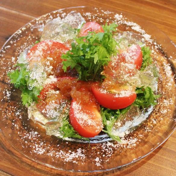 完熟トマトとワサビ菜のサラダ