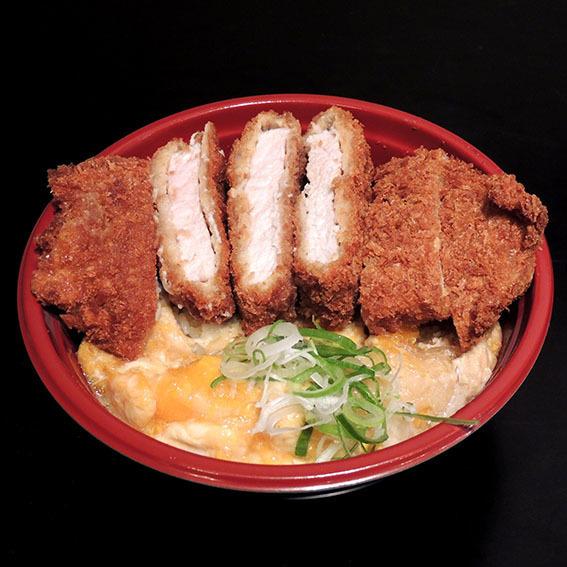 ボリューム満点カツ玉丼(750)