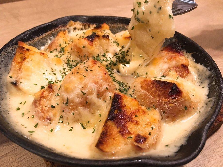 チーズに溺れたバゲット(¥580)