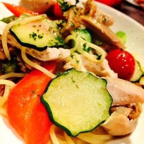 グリルチキン&季節野菜のパスタ(1200円(税別))