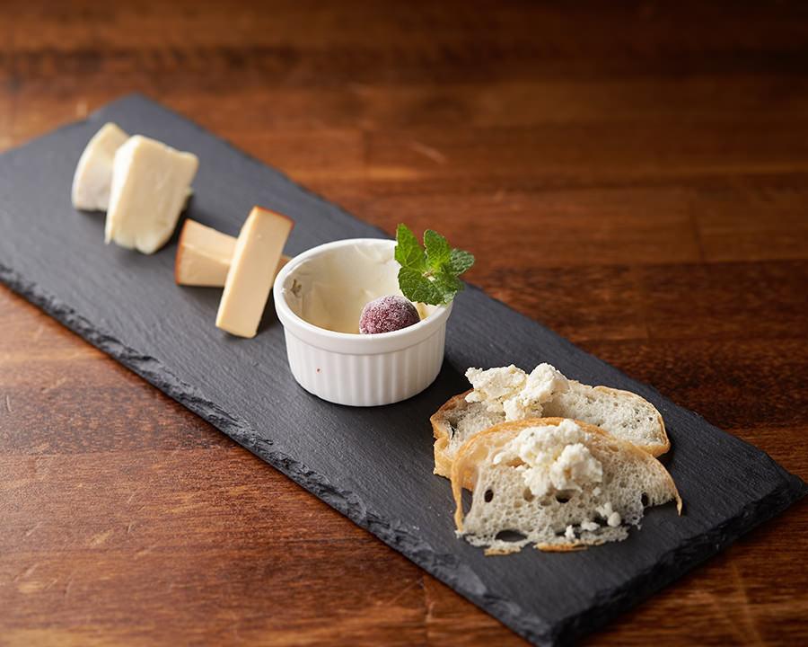 チーズの盛り合わせ(¥980)