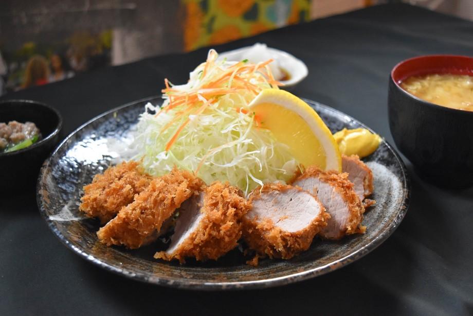 嬉嬉豚肉ヒレかつ定食(850円(税込))