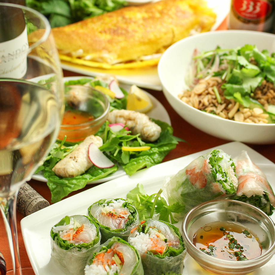 無農薬パクチーのサラダ・ベトナム風生春巻きなど定番料理10品◆レギュラーAコース(2800円)