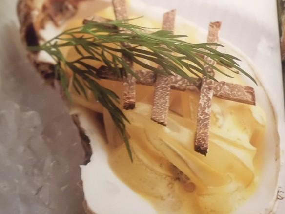 広島産 牡蠣のゴルゴンゾーラをのせたオーブン焼き