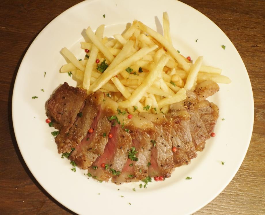 贅沢!!牛サーロインステーキとフライドポテト