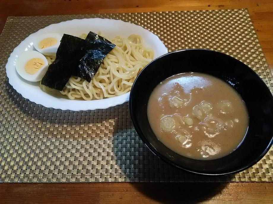 濃厚魚介つけ麺(900円)