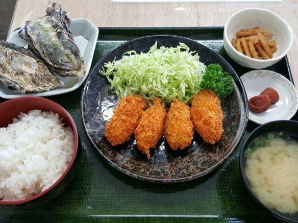 かきフライ定食(蒸し牡蠣2コ付き)