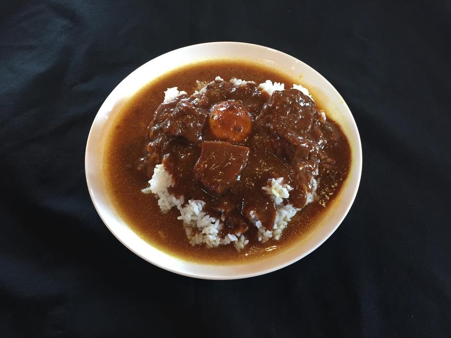 赤ワインで煮込んだ豚角煮カレー(つゆだくタイプ)