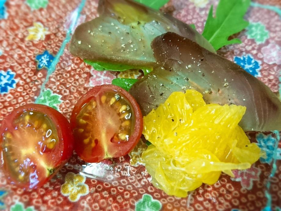熟成魚の小さなカルパッチョ