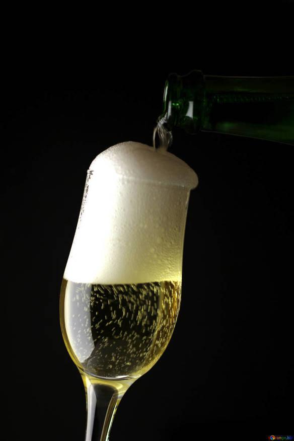 泡!泡!!スパークリングワイン飲み放題! コース料理に