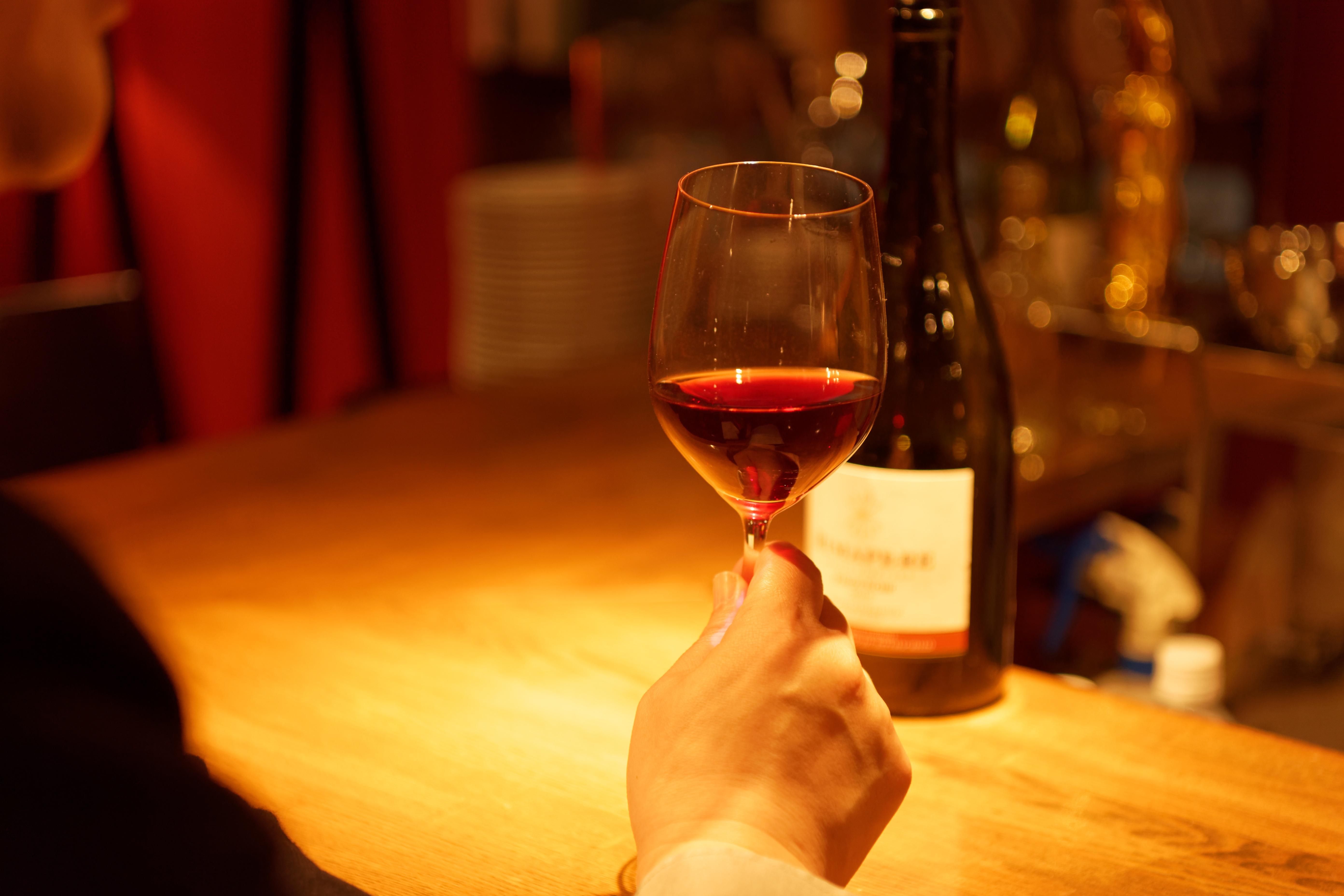 毎日変わる豊富なグラスワイン20~50種