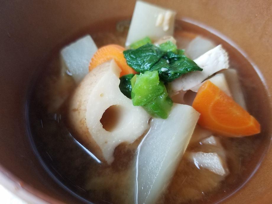 具だくさん野菜のおみそ汁(410円(税込))