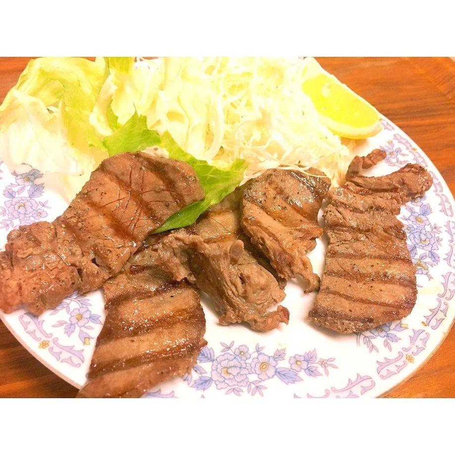 厚切り牛たん塩焼き(1400円)