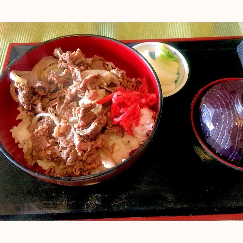 甲州さくら肉めし(800円)