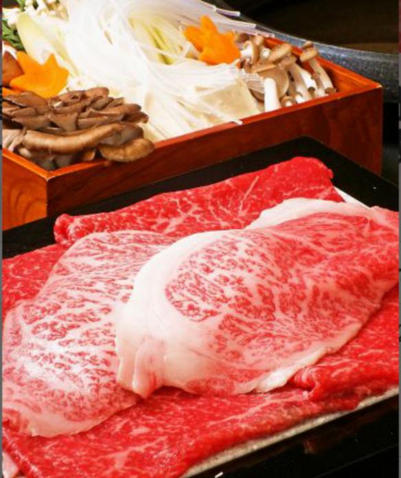 郡山産黒毛和牛「うねめ牛」のすき焼き または しゃぶしゃぶ
