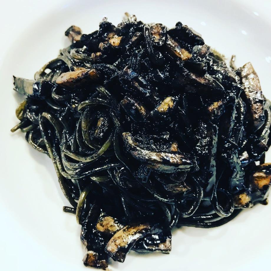 イカスミのスパゲティ(1100円)
