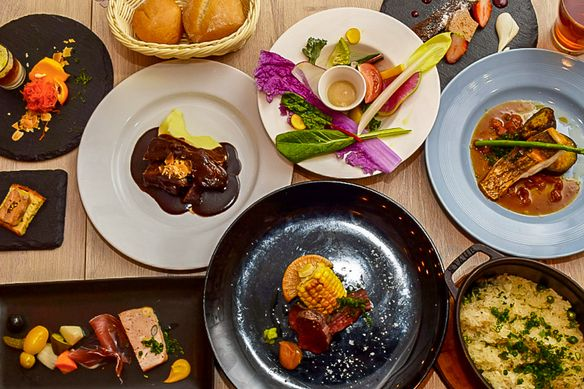 【2h飲み放題付】 牛ホホ肉の赤ワイン煮込み・野菜料理・和牛ローストビーフ寿司付コース