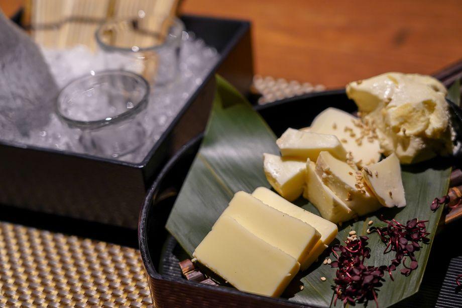 チーズ漬け3種盛り合わせ(1200円)