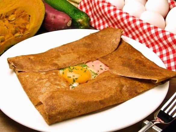 ガレットコンプレット(ハム、チーズ、卵)