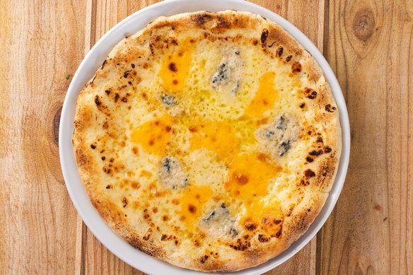 PIZZA・クワトロフロマッジョ