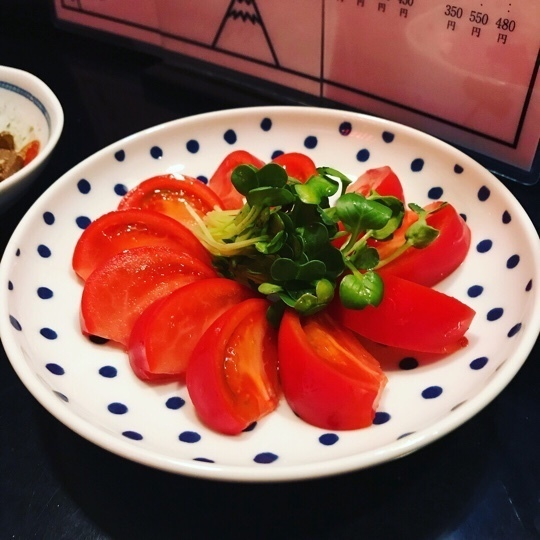 冷やしトマト(450円)