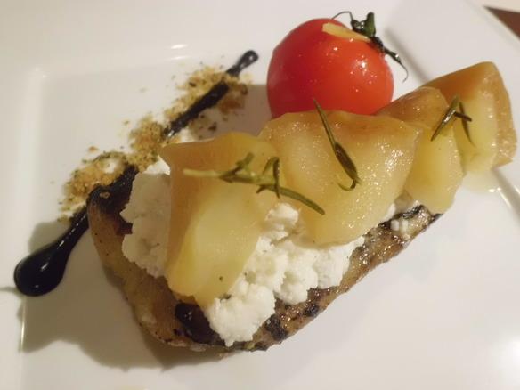 愛媛県産 クエとリコッタチーズ、林檎を挟んだミルフォーリエ