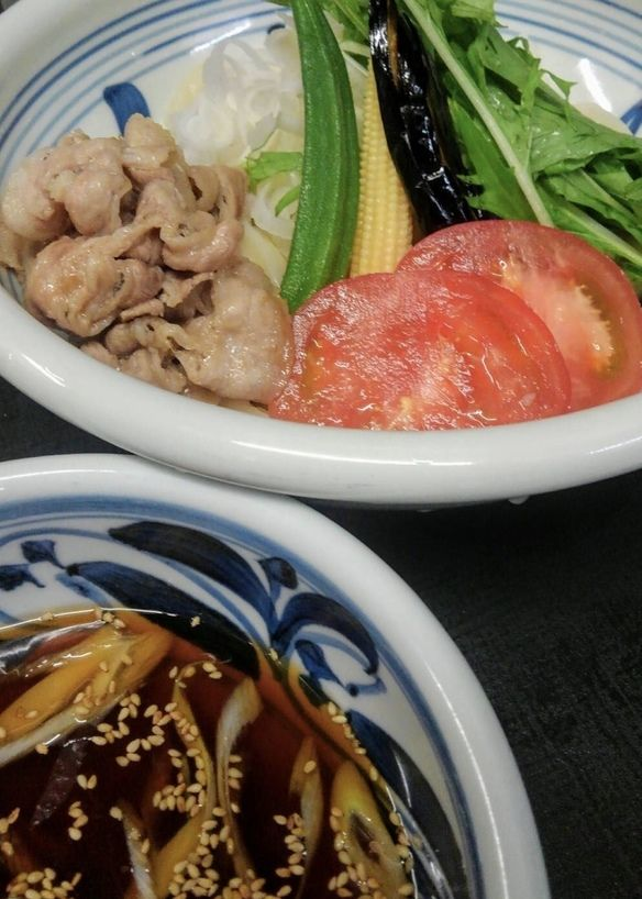 茨城県産!夏野菜と豚しゃぶのおうどん~自家製ポン酢つけ出汁で~