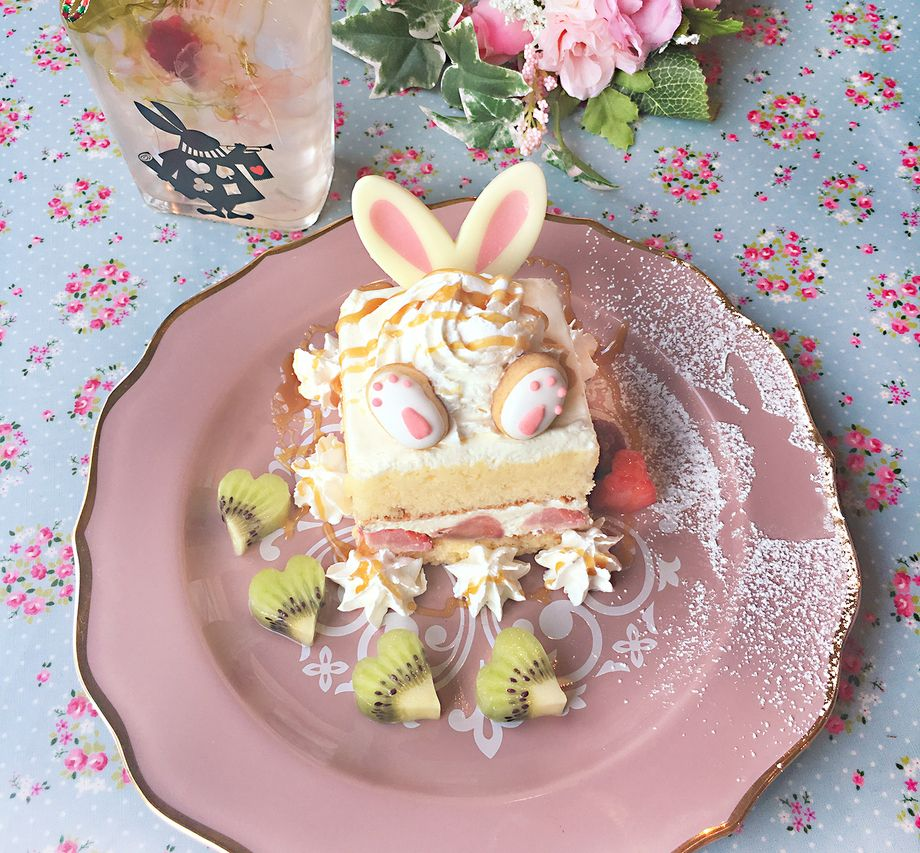 うさぎさんのショートケーキ フルーツ添え(¥850(税別)ドリンクセット¥1150(税別))