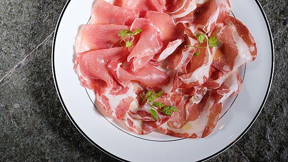 肉とクラフトビール Carnism【カーニズム】>