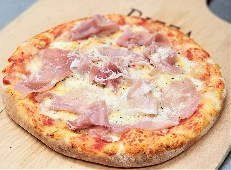 ★⑤石窯ピザ・プロシュートのトマトソースピザ