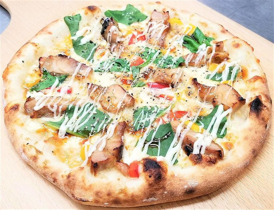 ★⑥石窯ピザ・照り焼きチキンのクリームソースピザ