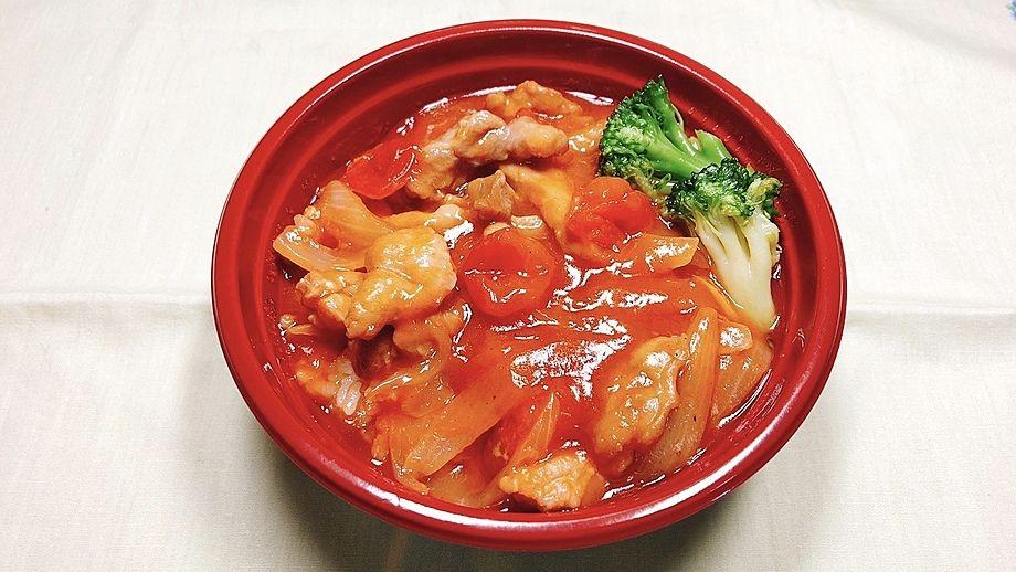 チキンのトマト煮込み丼