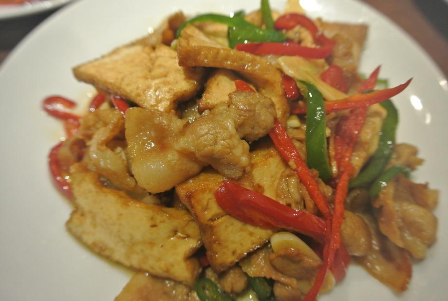 【肉料理】燻製干豆腐と豚肉の炒め
