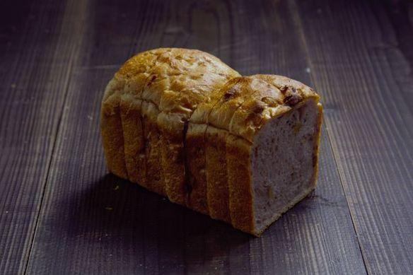 天然酵母クルミ食パン