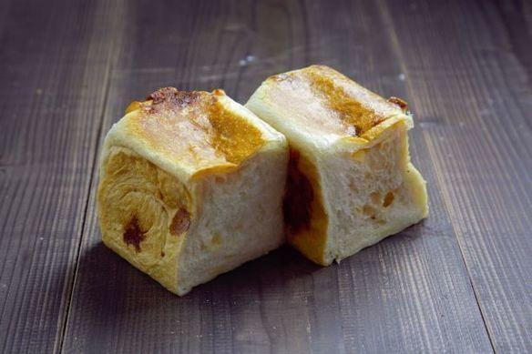 天然酵母Wチーズブレッド
