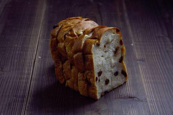 天然酵母ぶどう食パン
