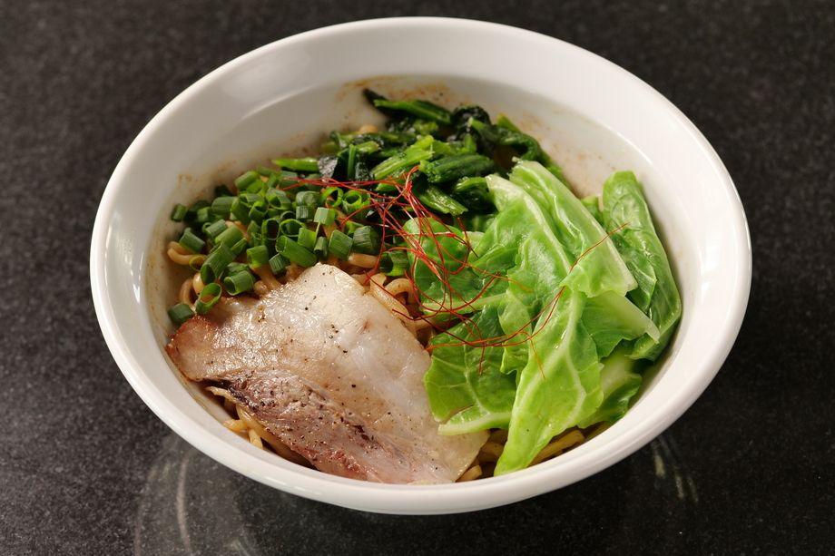汁なし麺(油そば)