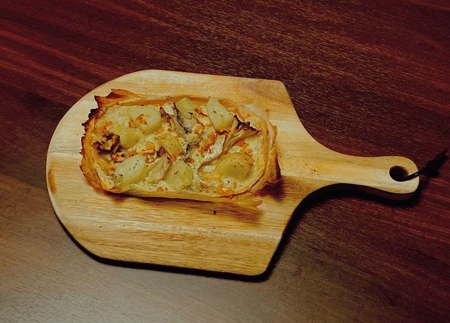 『大人の味』アンチョビガーリックポテトのお米ピザ