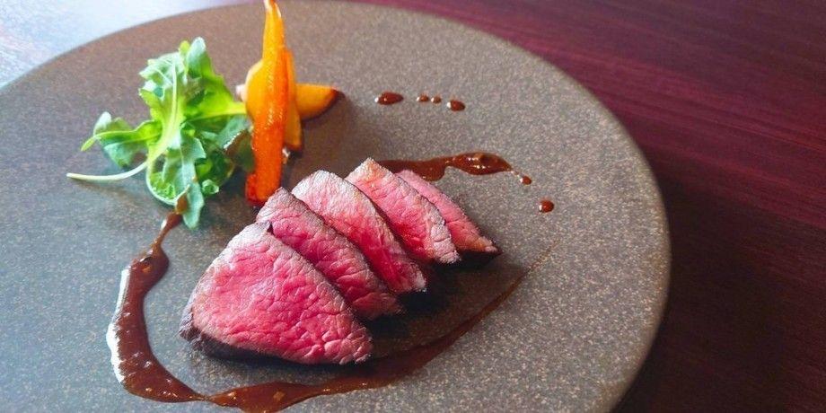 国産牛フィレ肉のロースト ソースペリグー