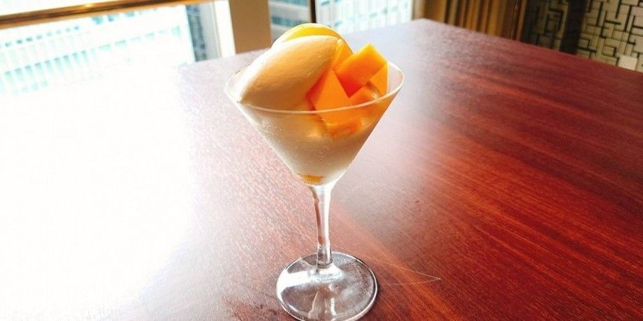 マンゴーのミニパフェ