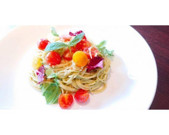 【冷製トマトとバジルのスパゲッティーニ】