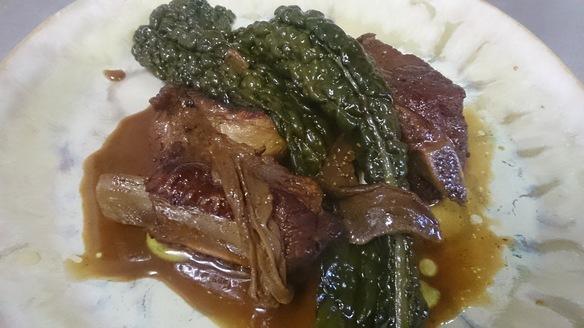 豚スペアリブと黒キャベツの煮込み