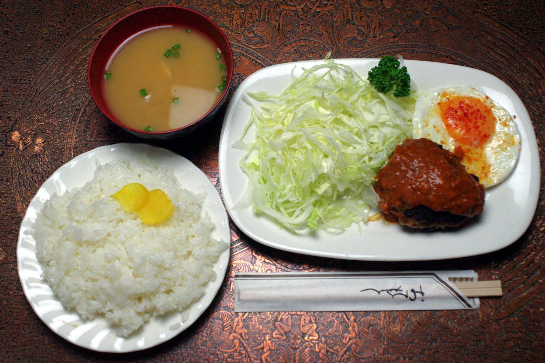 ハンバーグ(ミートソース・和風ソース・玉ねぎソース)