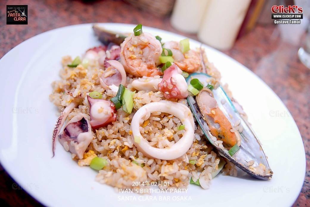Chufa de mariscos 魚介類の焼飯