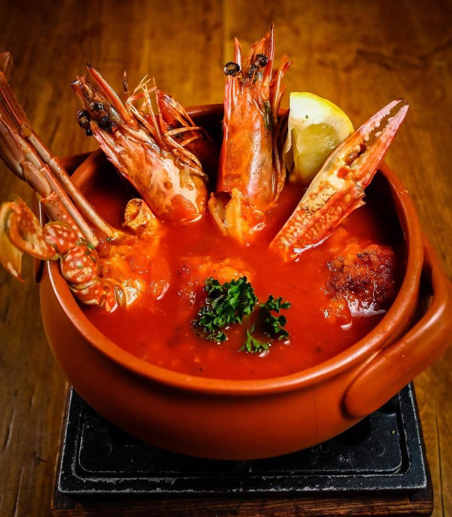 SOPA DE MARISCOS シーフードスープ(1800)