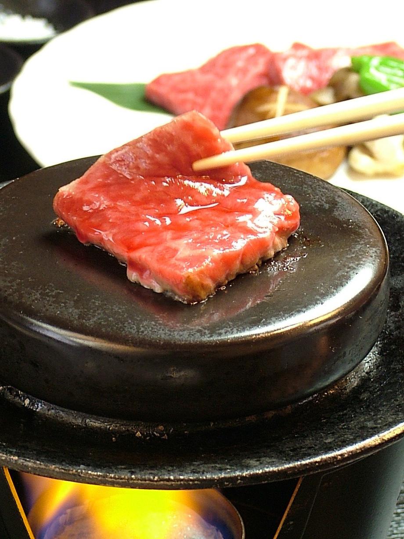 うねめ牛石焼(1680円(税別))