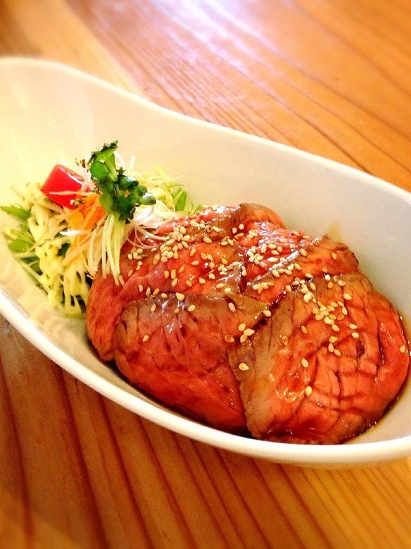 ローストビーフ丼 肉大盛り
