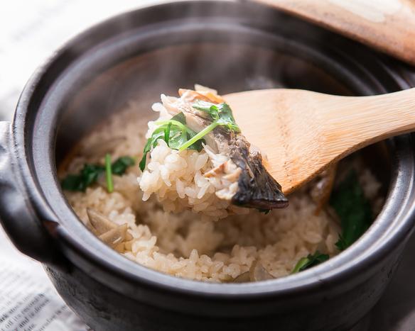【一の屋名物メニュー】季節の土鍋炊き泥棒ご飯