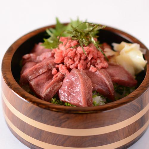 桜鉄火丼(桜手ごね寿司)