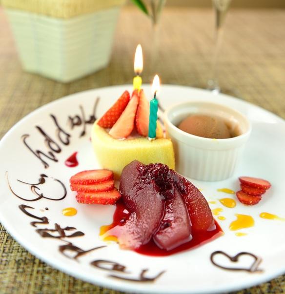 【誕生日や結婚記念日に!】お任せデザートプレート
